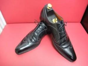 http://shoeshine-tokyo.com/wp/santoni/