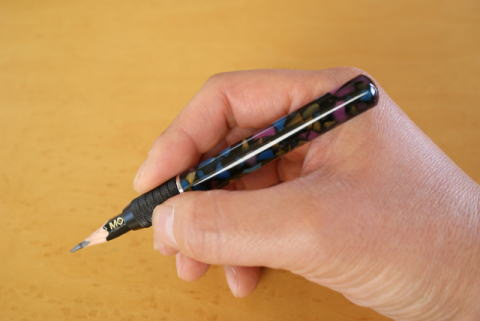大人が鉛筆を使うなら補助軸で差をつける!エクステンダー7選