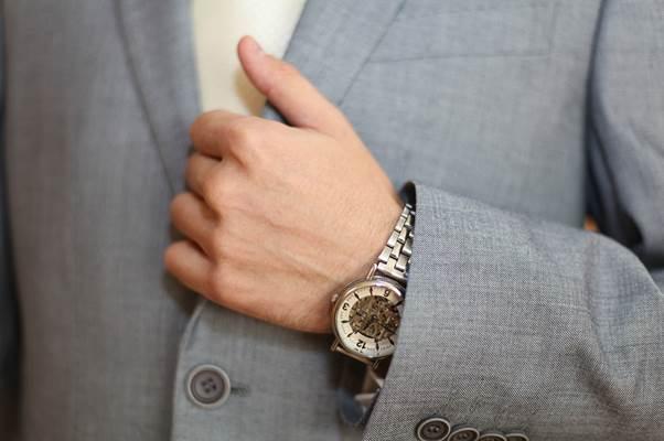 起業家妻なら知っておきたい!勝ち組起業家が使う本命腕時計12選