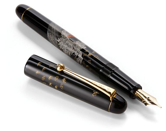 小物使いで差をつけるなら和の装飾が美しいNamiki万年筆がおすすめ