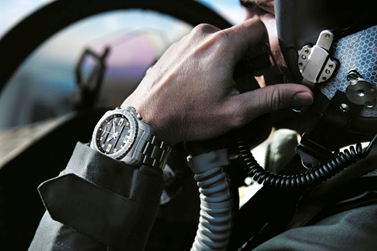 http://luxuryvolt.com/2014/09/breitling-new-pilot-watch-breitling-smartwatch-rechargeable-battery/