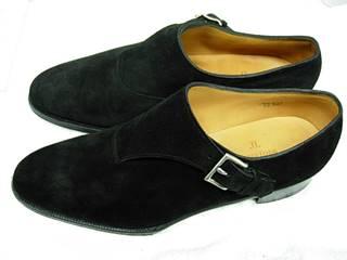 末永く付き合うためのスエード靴の簡単お手入れ方法