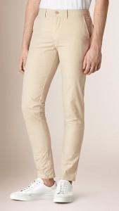 https://jp.burberry.com/slim-fit-cotton-poplin-chinos-p40115971?search=true
