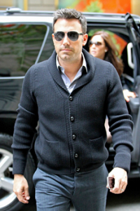 http://www.upscalehype.com/2012/10/ben-affleck-wearing-salvatore-ferragamo-aviator-sunglasses-in-nyc/
