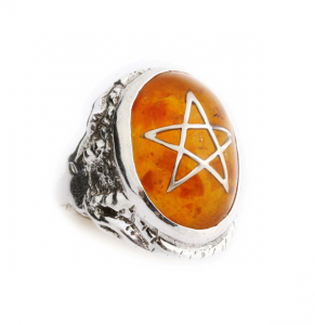 http://alexstreeter.com/collections/best-sellers/products/original-angel-heart-ring 引用