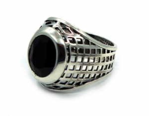 http://hancholo.com/collections/moon/products/caged-class-ring-precious-metals 引用