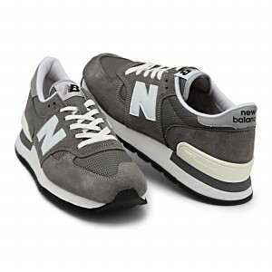 http://shop.newbalance.jp/products/newbalancem990gry.html
