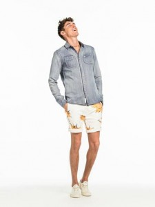 https://www.scotch-soda.com/global/en/men/shirts/denim-shirts/worker-shirt/128095.html?cgid=1129&dwvar_128095_color=sulphur%20blue&start=1
