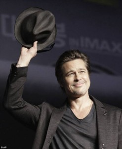 http://reinhardplank.tumblr.com/post/102875081875/brad-pitt-holding-up-the-blackbonawaxed-wool-hat