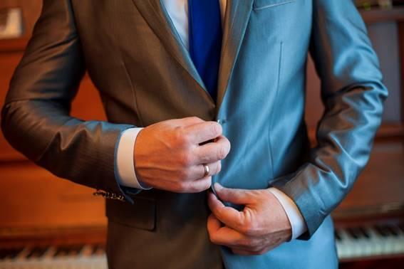 大人の男は気品と色気で勝負!ロロピアーナの最高級スーツ生地の魅力