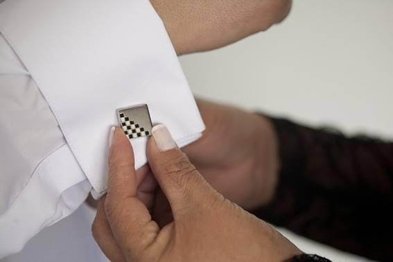 結婚式でモテを狙う! カフスで決める手元のオシャレ