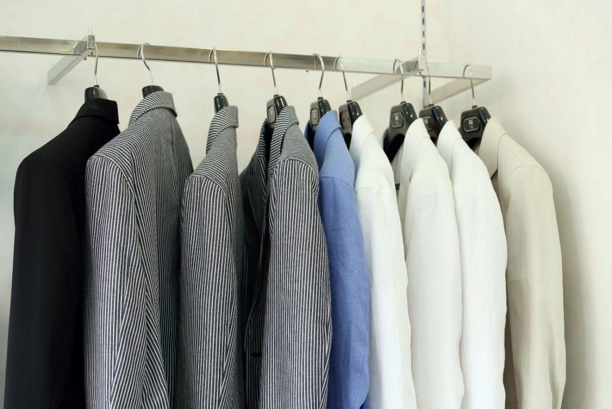 スーツの手入れ、楽に長持ちさせる5つのポイント