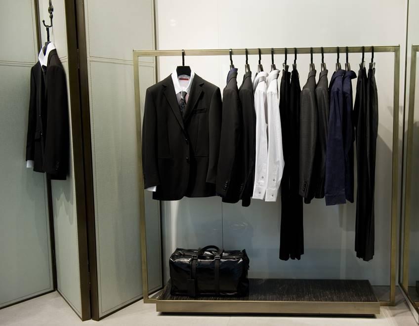スーツに合わせるならどんなカバンを選べばいいの?
