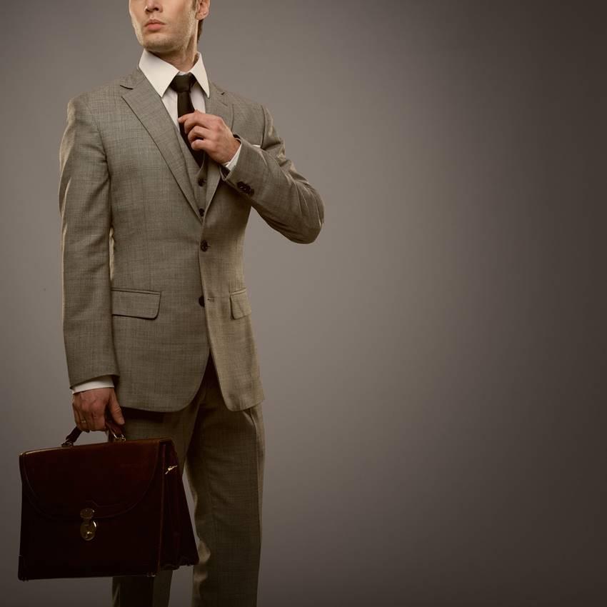 営業マンにふさわしいカバンの選び方のポイントは?
