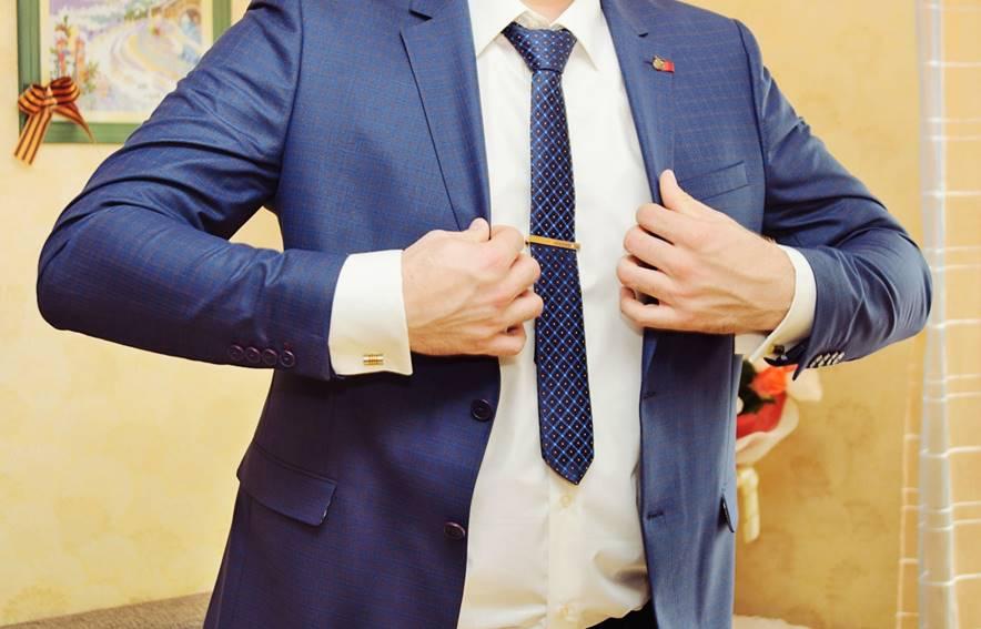 スーツに高いお金をかけなくても美しく見える、基本の着こなし