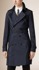 引用: https://jp.burberry.com/showerproof-trench-coat-with-detachable-warmer-p39836321