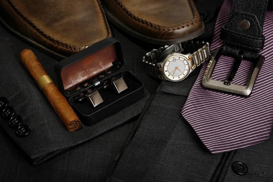 意外と簡単!スーツの色で変える、ベルトと靴のコーディネート