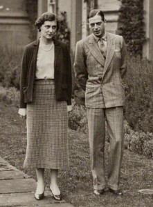 引用:https://en.wikipedia.org/wiki/Suit_(clothing)#/media/File:The_Duke_and_Duchess_of_Kent.jpg