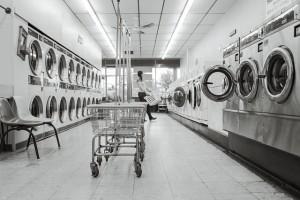 引用: https://pixabay.com/static/uploads/photo/2014/12/14/16/05/laundry-saloon-567951_960_720.jpg