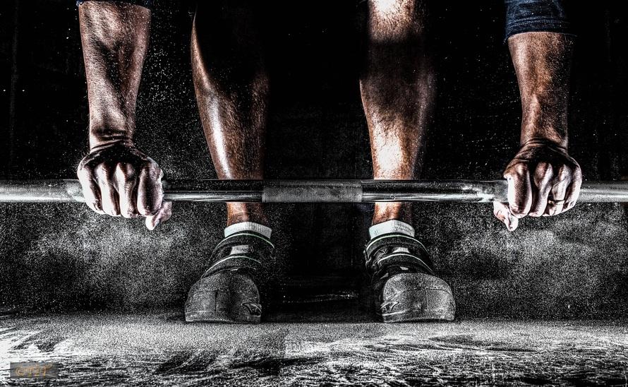 引用:https://static.pexels.com/photos/39613/training-barbell-muscles-hands-39613.jpeg