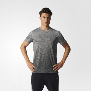 引用:http://shop.adidas.jp/pc/item/detail.cgi?brand_code=110&itemCd=110_S94454&itemGrcd=110_BPL15&itemDir1=16FW