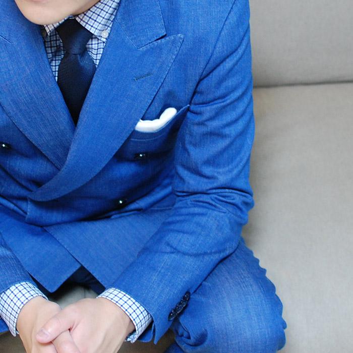 お洒落な人はもう着てる!ビジネスにもデニムスーツで大人の色気