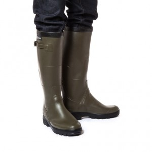 http://www.aigle.co.jp/b/pc/Product.html?mthd=07&PC=85_0917901&SC=AIG&SST=92&aid=h_category_man_rw&aid2=&aid3=&CC=_01