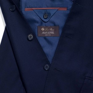 引用: https://www.loropiana.com/jp/eshop/シ?ャケット-madrid-the-gift-of-kings-wool/p-FAF5083