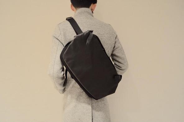 ダンディなオフジャケパンに似合うのはCote&Cielのバックパック
