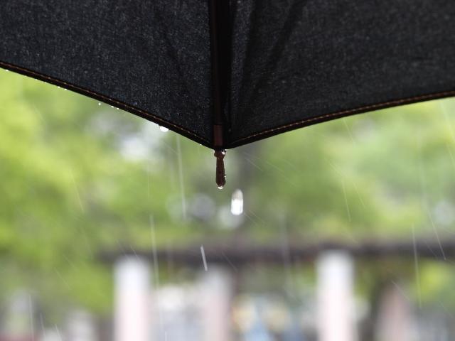 雨だからって気を抜かない。雨の日だからこそ着たいオーダースーツ