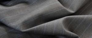 (引用 :http://www.vitalebarberiscanonico.jp/fabrics/スーツ/302/ピンストライプ・プルネル)