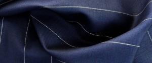 (引用: http://www.vitalebarberiscanonico.jp/fabrics/スーツ/302/ピンストライプ・プルネル)