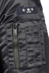 (引用: http://www.tatras.it/jp/shop-man/down-jacket/petronio.html)