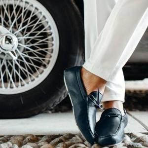 引用: https://www.loropiana.com/jp/prodotti-Loro-Piana/roadster/Roadster_18