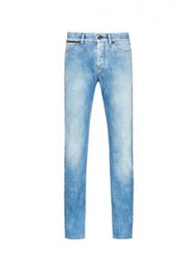 (http://www.zegna.com/jp/ermenegildo-zegna/technical-wool-clothing/luxury-denim-menswear.html)