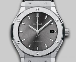 引用:http://www.hublot.com/ja/collection/classic-fusion/classic-fusion-racing-grey-titanium-45?serie=70