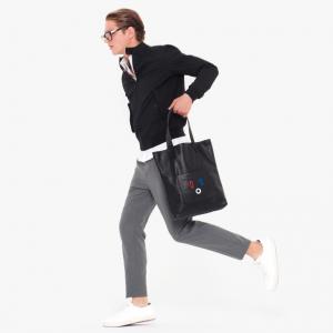 http://www.thehentenbag.com/product/smiley-black-bag 引用