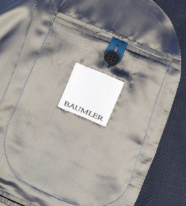 引用: https://www.austinreed.com/catalog/product/view/_ignore_category/1/id/78627/s/baumler-navy-travel-suit-78627/?___store=ar