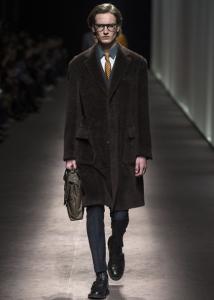引用: http://www.canali.com/en_gb/clothing/brown-alpaca-and-wool-exclusive-coat-t55815fx00910501.html