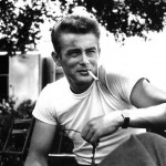 引用:https://otokomaeken.com/wp-content/uploads/2015/07/James-Dean-White-T-Shirt-Rebel-Without-a-Cause-1024x811.jpg