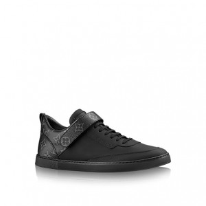 引用:http://jp.louisvuitton.com/jpn-jp/products/passenger-sneaker-014593