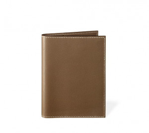 (引用: http://japan.hermes.com/leather/agenda-covers/gm-2/gm-simple-15786.html?color_hermes=ETOUPE&material_leather=VEAU%20SWIFT&nuance=1&back_search=p+1%7Cq+%E6%89%8B%E5%B8%B3%7Cback_from_product+1)