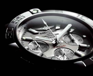引用:http://www.breitling.co.jp/products/chronomat/chronomat_44/