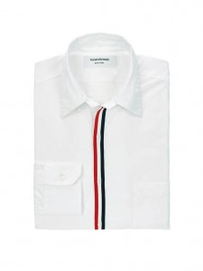 (引用: https://www.thombrowne.com/CLASSIC-POPLIN-SHIRT-WITH-EXPOSED-GROSGRAIN-PLACKET-156.html)