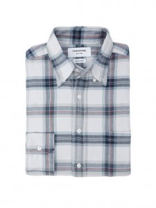 (引用: https://www.thombrowne.com/LONG-SLEEVE-SHIRT-IN-NAVY-SOFT-PLAID-FLANNEL-250.html)