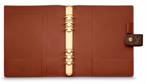 (引用: http://jp.louisvuitton.com/jpn-jp/products/large-ring-agenda-cover-monogram-000023)