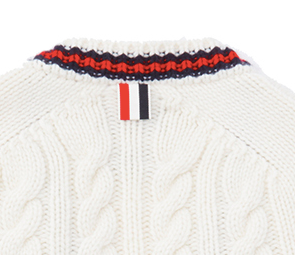 (引用: https://www.thombrowne.com/BABY-CABLE-KNIT-V-NECK-CARDIGAN-WITH-RED-WHITE-AND-BLUE-TIPPING-IN-IVORY-CASHMERE-297.html)
