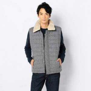(引用: http://japan.tommy.com/ecp/b/pc/Product.html?mthd=07&PC=08878A0962&SC=TH1&SST=92&A=&D=&ICC=043)