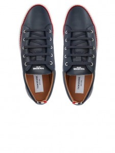 (引用: https://www.thombrowne.com/LEATHER-TRAINER-WITH-CUP-SOLE-77.html)