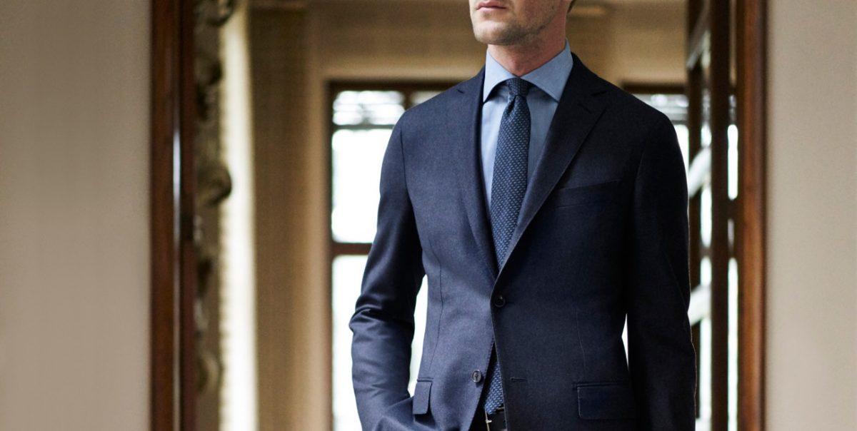 素材はウール?ポリエステル?大人の男は、スーツを素材から楽しむ!